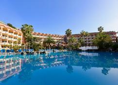 波多皇宮酒店 - 克魯斯港 - 拉克魯斯港 - 游泳池