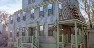 Hawthorn House - Nantucket