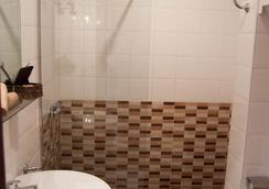 Hostal La Frontera - Ferrol - Bathroom