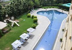 St Laurn The Spiritual Resort - Shirdi - Bể bơi