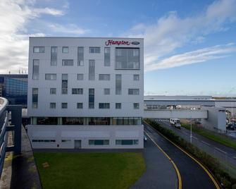 Hampton by Hilton London Gatwick Airport - Gatwick - Building