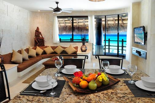 El Taj Oceanfront & Beachside Condo Hotel - Playa del Carmen - Dining room