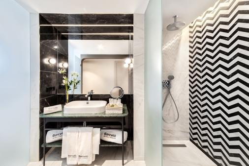 馬德里巴塞羅托雷酒店 - 馬德里 - 浴室