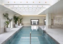馬德里巴塞羅托雷酒店 - 馬德里 - 游泳池