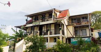 Posada Nativa Miss Trinie - San Andrés - Building