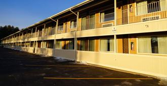 Americas Best Value Inn Plattsburgh - Plattsburgh
