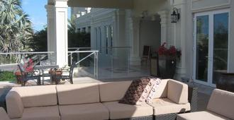 The Atrium Resort - Providenciales - Κτίριο