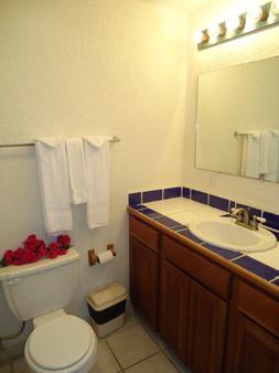 Exotic Caye Beach Resort - San Pedro Town - Bathroom