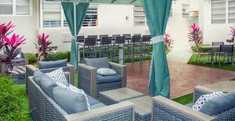 Beds n' Drinks Hostel - Miami Beach - Näkymät ulkona