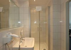 Hotel Metropolitan Berlin - Berlin - Bathroom