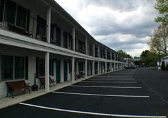 Bourne's Ocean Acres Motel - Ogunquit - Outdoors view