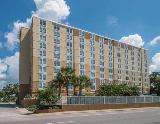 DoubleTree by Hilton Biloxi - Biloxi - Κτίριο
