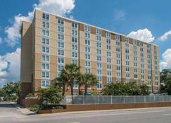DoubleTree by Hilton Biloxi - Biloxi - Building