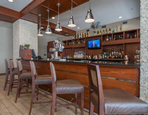 DoubleTree by Hilton Biloxi - Biloxi - Bar