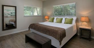 La Siesta Resort & Marina - Islamorada - Bedroom