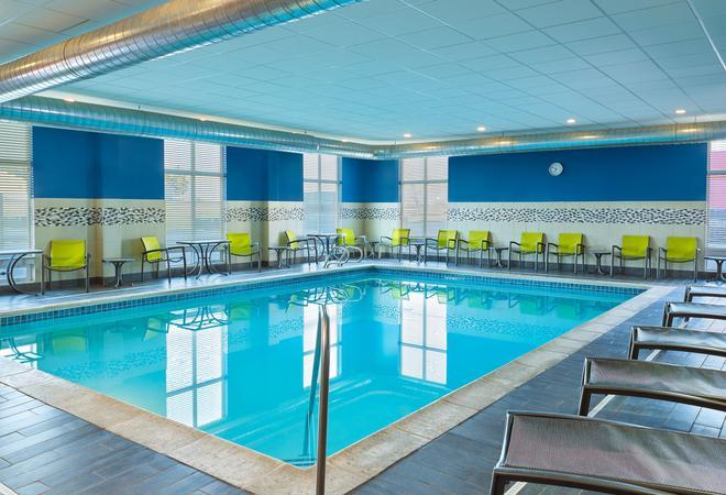 Four Points by Sheraton Williston - Williston - Pool