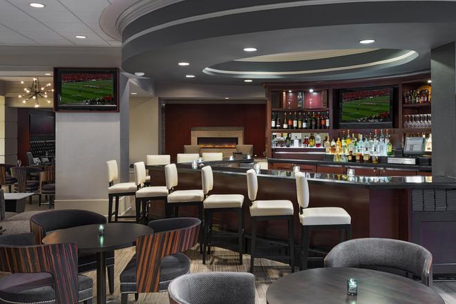 Chicago Marriott Suites Deerfield - Deerfield - Bar