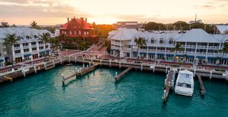 Opal Key Resort & Marina - Key West - Building