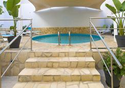 伊維薩島機場雷酒店 - 依比薩 - 伊維薩鎮 - 游泳池