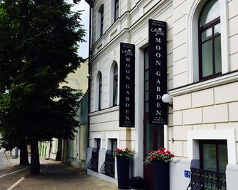 Art Hotel Moon Garden - Vilnius - Building