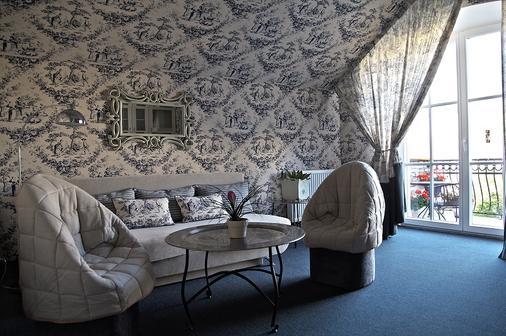 Art Hotel Moon Garden - Vilnius - Living room