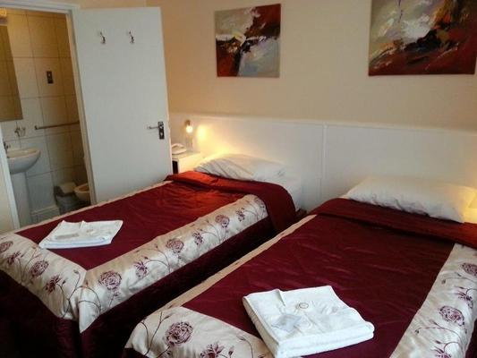 Melbourne House Hotel - London - Bedroom