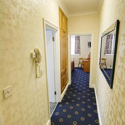 Melbourne House Hotel - London - Hallway