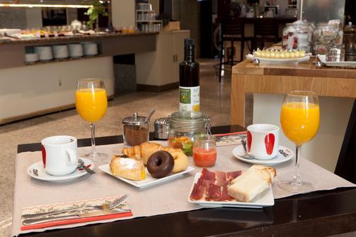 Hotel San Juan de los Reyes - Toledo - Thức ăn