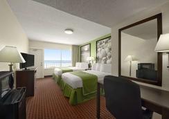 Super 8 Daytona Beach Oceanfront - เดโทนา บีช - ห้องนอน
