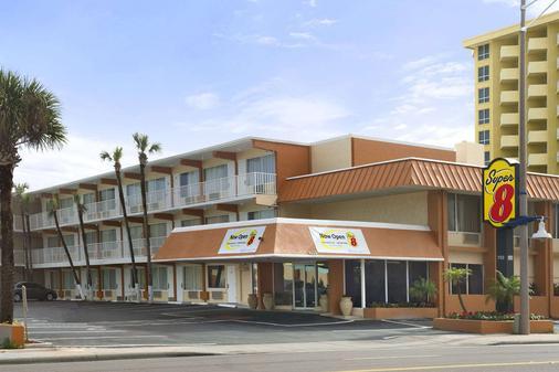 Super 8 Daytona Beach Oceanfront - เดโทนา บีช - อาคาร