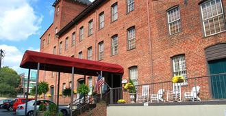 The Historic Brookstown Inn - Winston-Salem