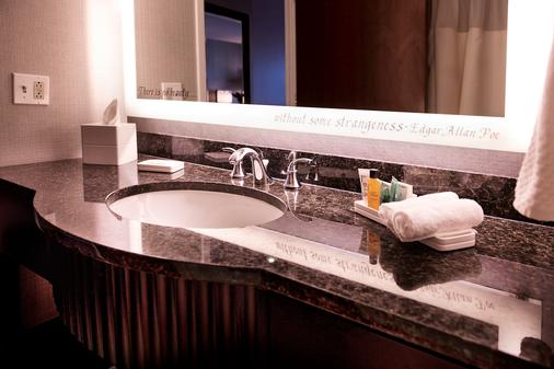 Hilton Baltimore Inner Harbor - Baltimore - Bathroom