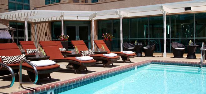 Renaissance Los Angeles Airport Hotel - Los Ángeles - Piscina