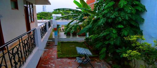Hotel Harmony - Khajuraho - Balcón