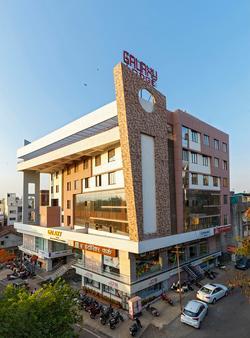 Galaxy Inn - Kolhāpur - Building