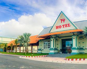 Truong Huy hotel - Vĩnh Long - Building