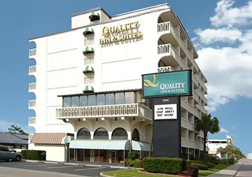 Quality Inn and Suites - Myrtle Beach - Building