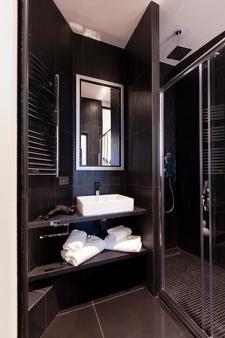 Milestay - Halles - Paris - Bathroom