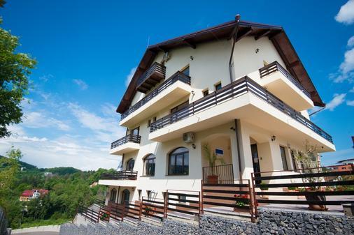 Pensiunea Toscana - Braşov - Building