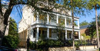 The Jasmine House - Charleston - Building