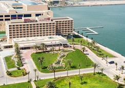 Hilton Garden Inn Ras Al Khaimah - Ra's al-Chaima - Außenansicht