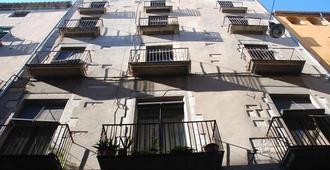 Pensio Viladomat - Girona - Edifício