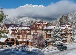 Banff Caribou Lodge & Spa - Banff - Rakennus
