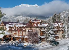 Banff Caribou Lodge & Spa - Banff - Building