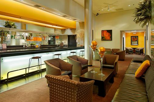 Ramada Plaza by Wyndham West Hollywood Hotel & Suites - West Hollywood - Bar