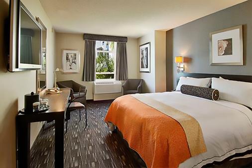 Ramada Plaza by Wyndham West Hollywood Hotel & Suites - West Hollywood - Bedroom