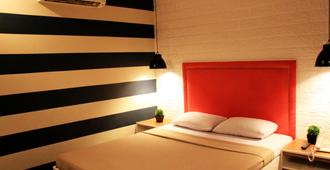 Urban Travellers Hotel - Pasay