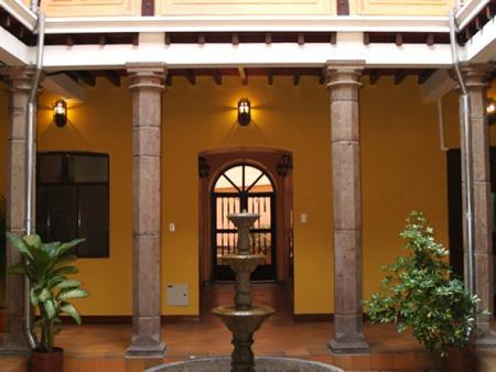 Hotel Catedral Internacional - Quito - Hallway
