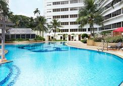 Furama Riverfront - Singapura - Kolam