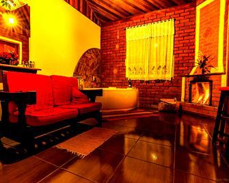 Pousada Amor Perfeito - Visconde de Maua - Living room
